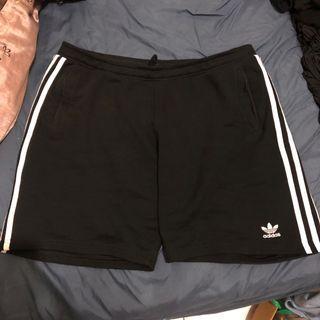Adidas三葉草短褲 褲子