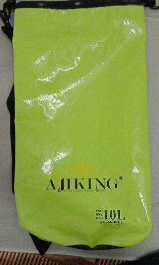 Waterproof Ajiking Fishing Gear 10L