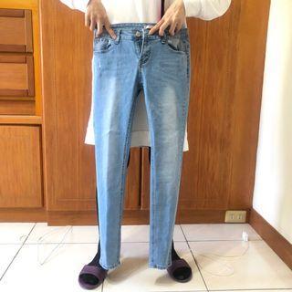 牛仔長褲 僅下水未穿 9.5成新 #美妝拍賣會