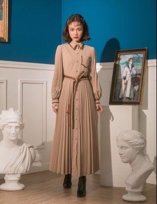 Marjorie 奇幻革命,個性皮革拼接百褶泡泡袖洋裝S