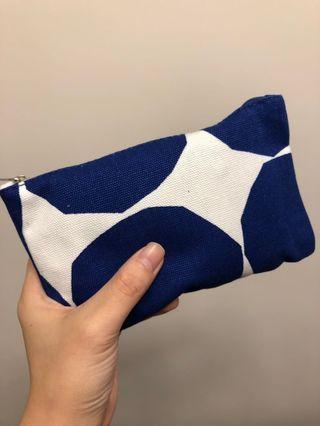 Finnair - Amenity Kit - Marimekko