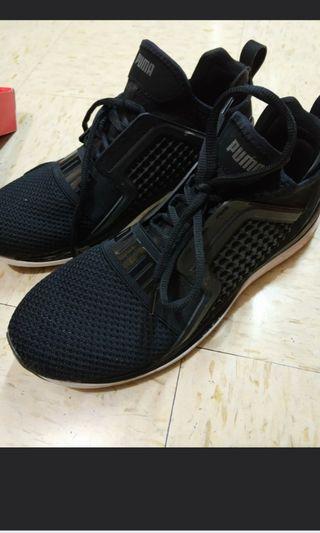 puma sport shoe