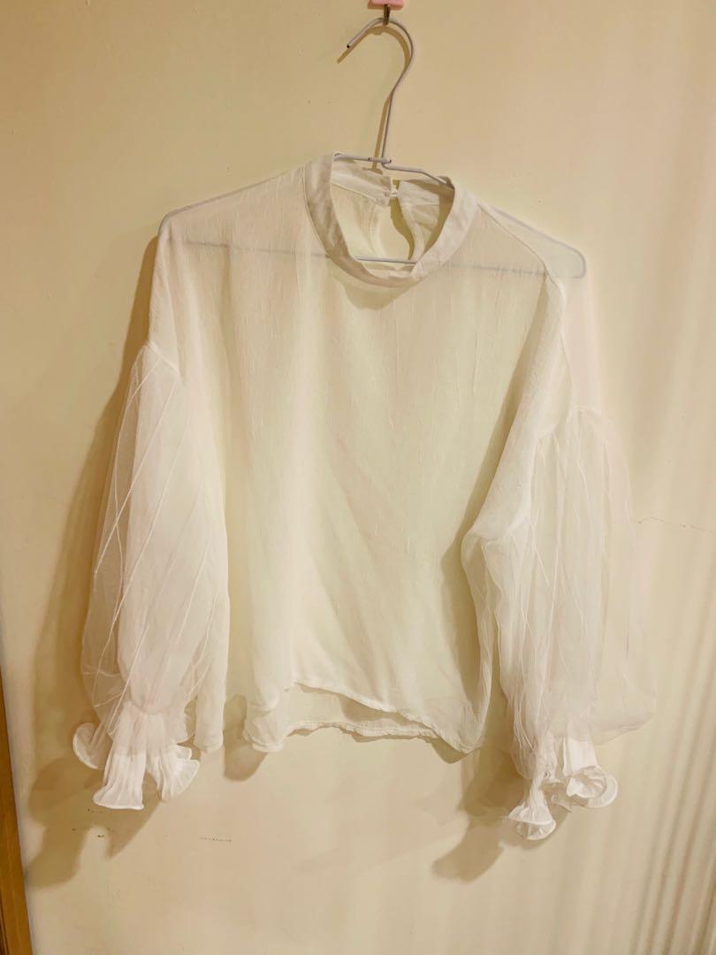 透膚白色上衣超仙💕