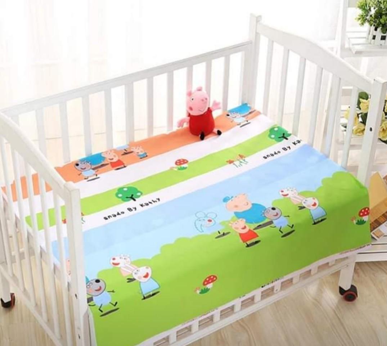 綠條紋佩佩豬  純棉防水隔尿墊 尿布墊 生理期墊 寵物墊 嬰兒床大尺寸