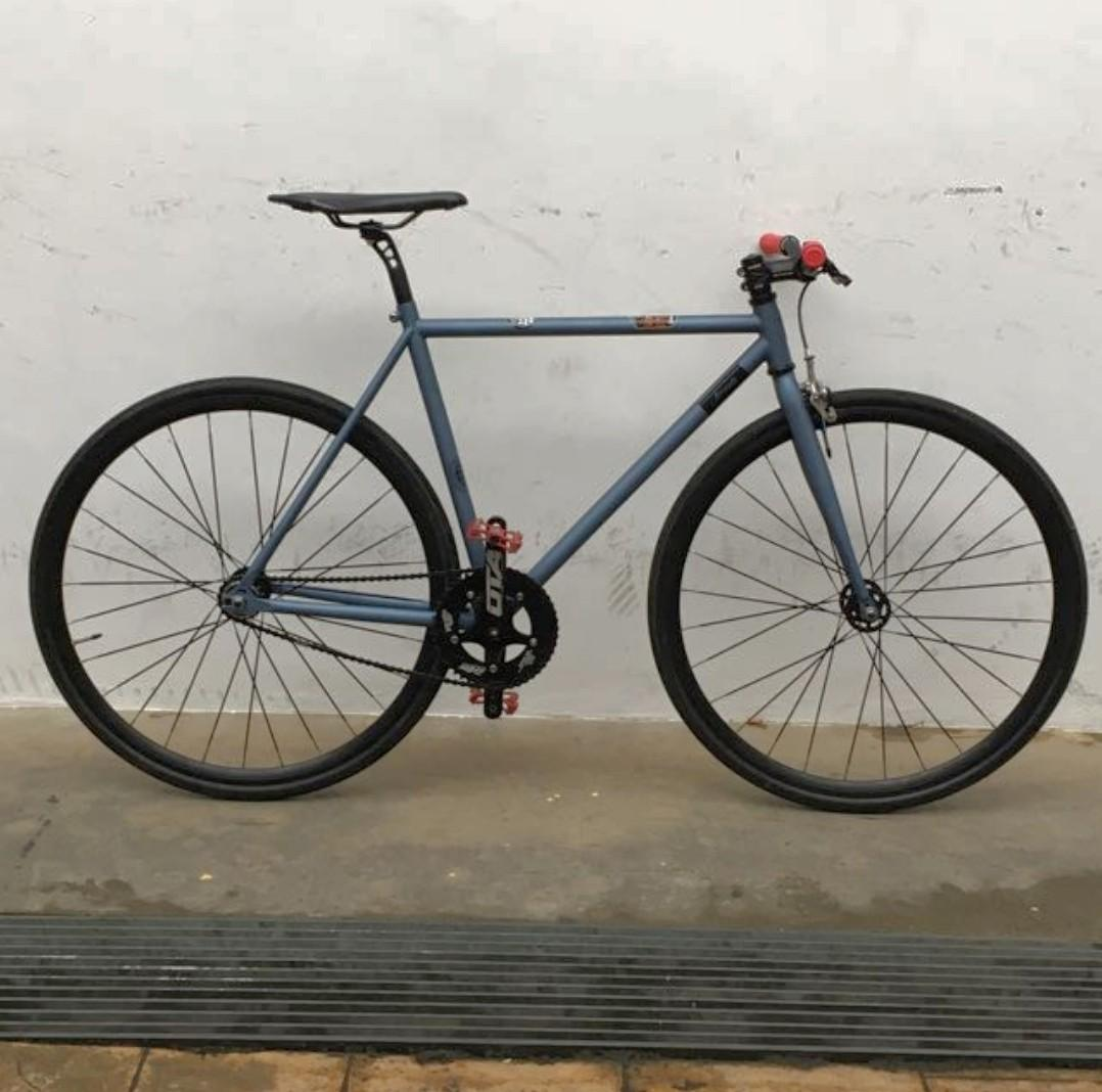 Airwalk fixed gear/ single speed bike