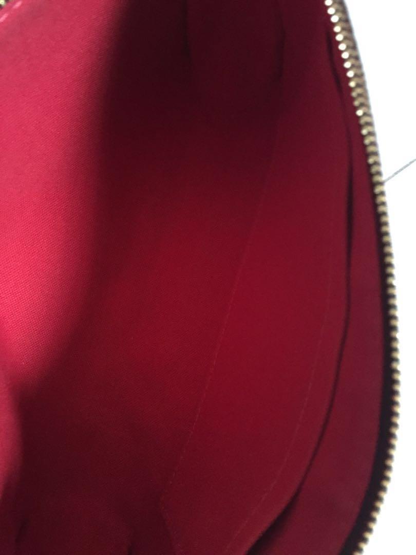 Authentic Louis Vuitton Pochette Damier