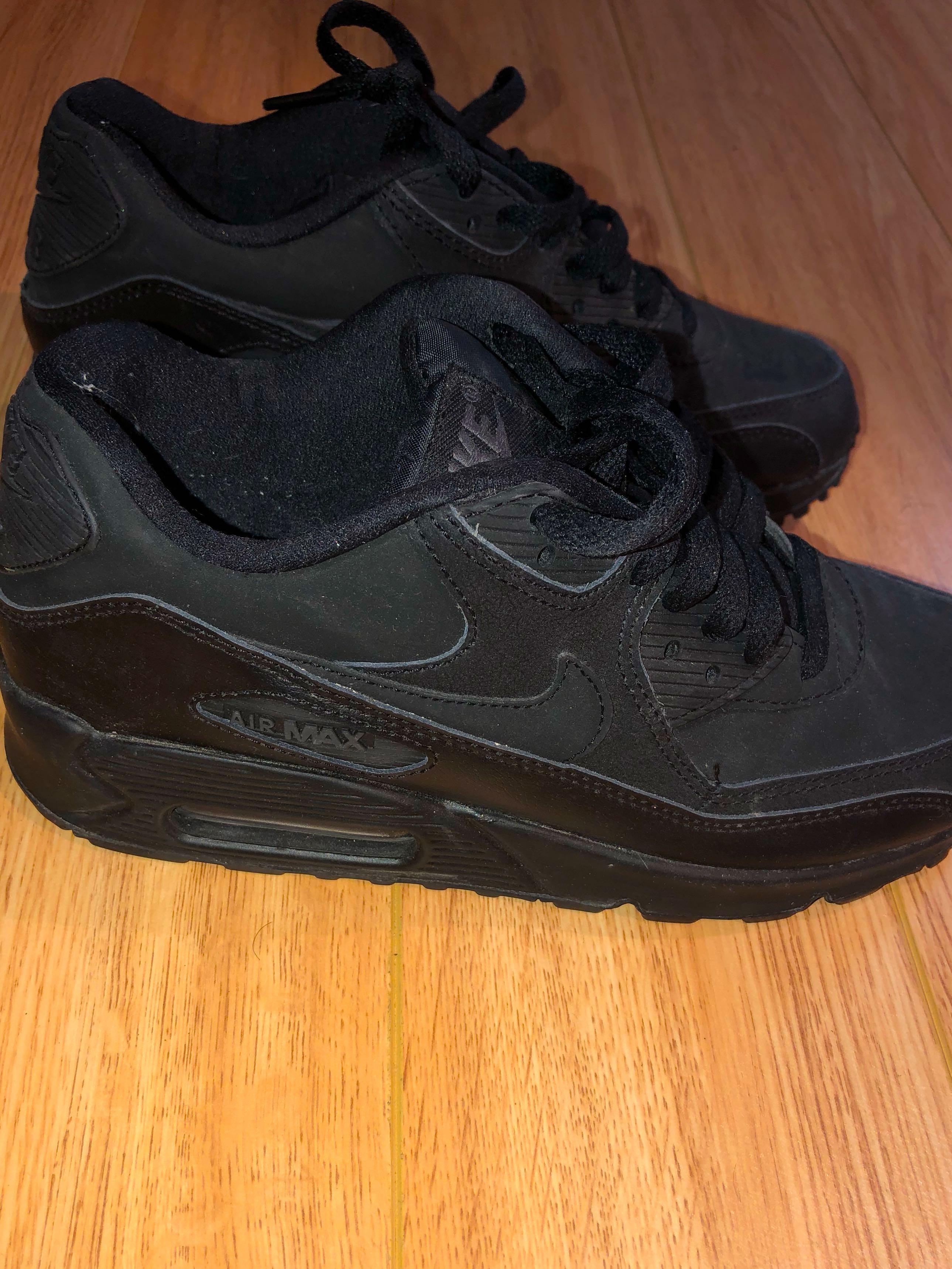 Black on Black AirMax90 - 5.5Y/7.5W