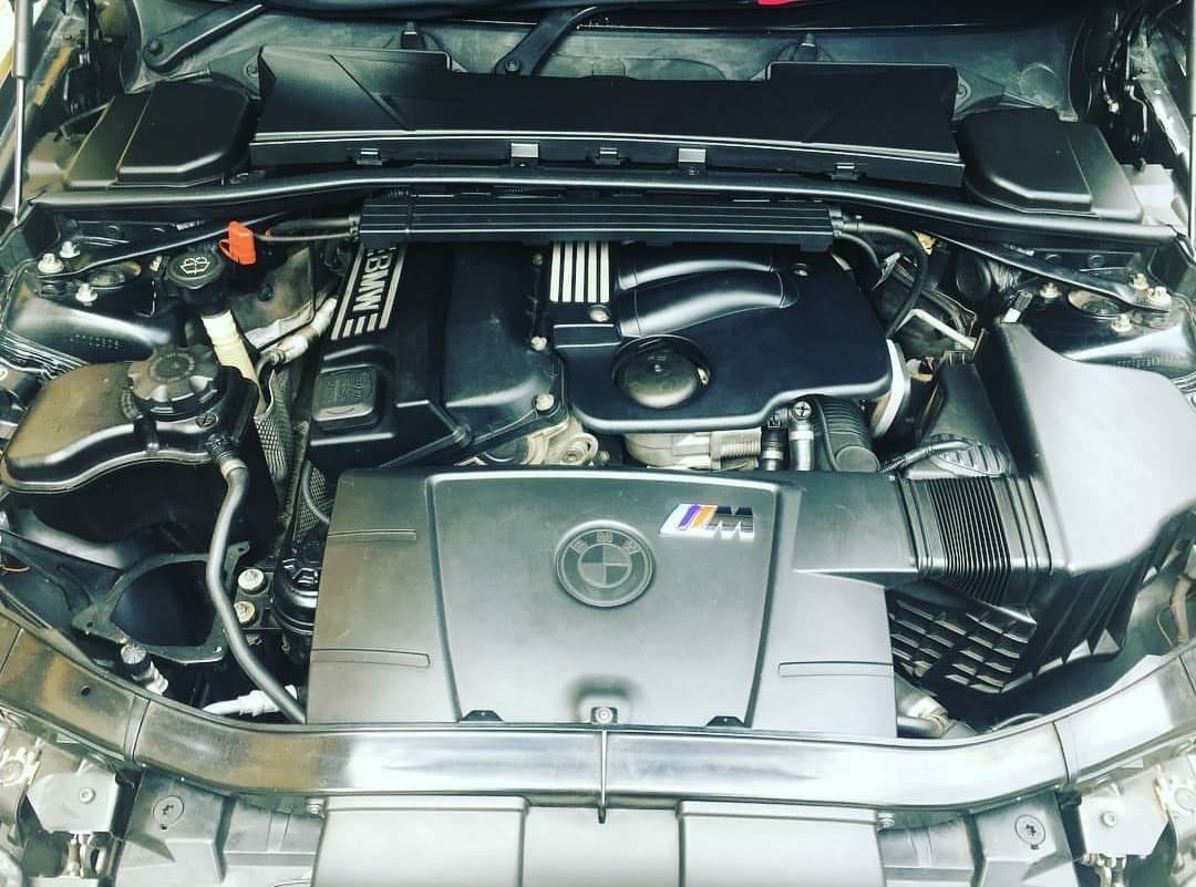 BMW e90 th 2006