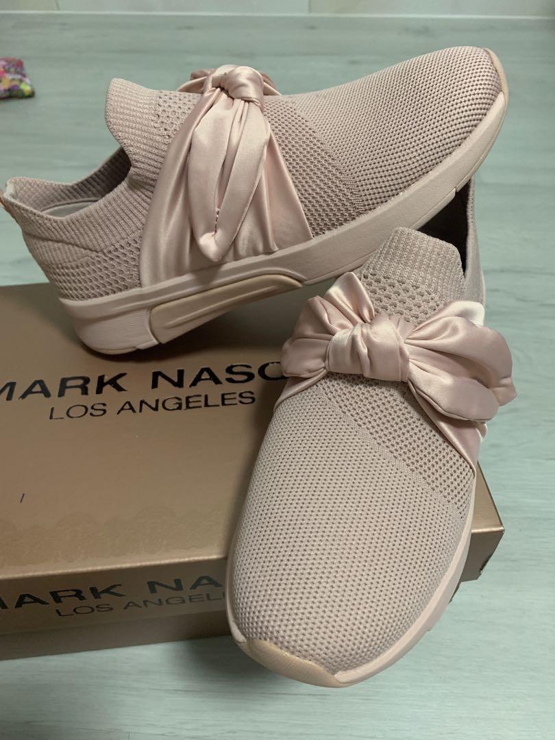 BN Mark Nason x Skechers Debbie modern