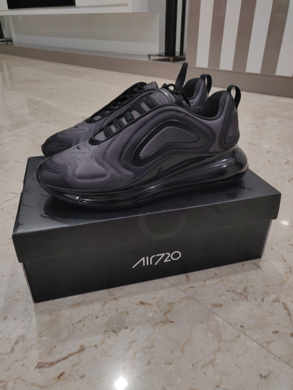 aaf5e471 Brand New Nike Airmax 720 Triple Black US 9.5, Men's Fashion ...