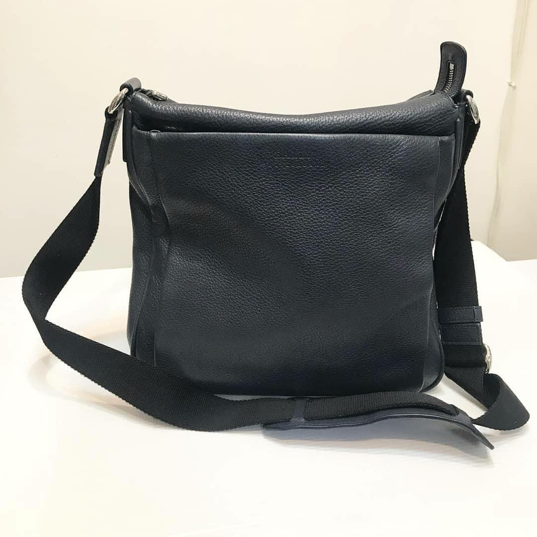 #cintaibumi Preloved - GOOD DEAL Bally Messenger Bag Leather  Dark Navy (almost black) Bag Only