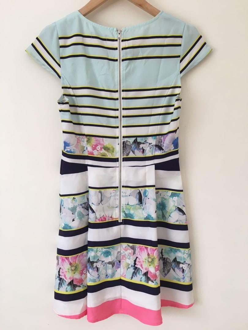 Dotti stripped floral print dress size 6 (can fit small size 8)