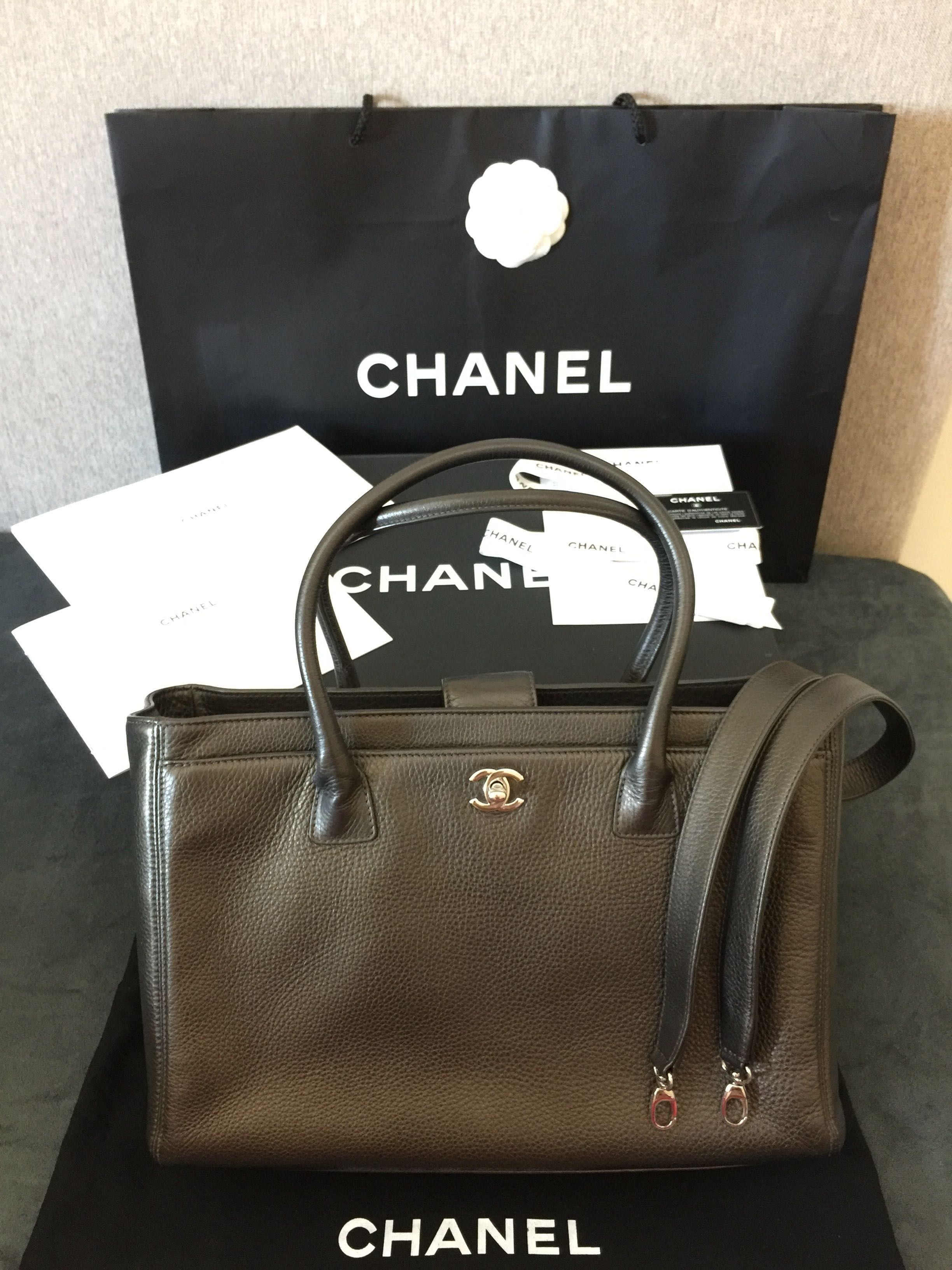 708175a1e0bf32 FAST DEAL $2300 AUTHENTIC FULL SET CHANEL EXECUTIVE CERF TOTE ...