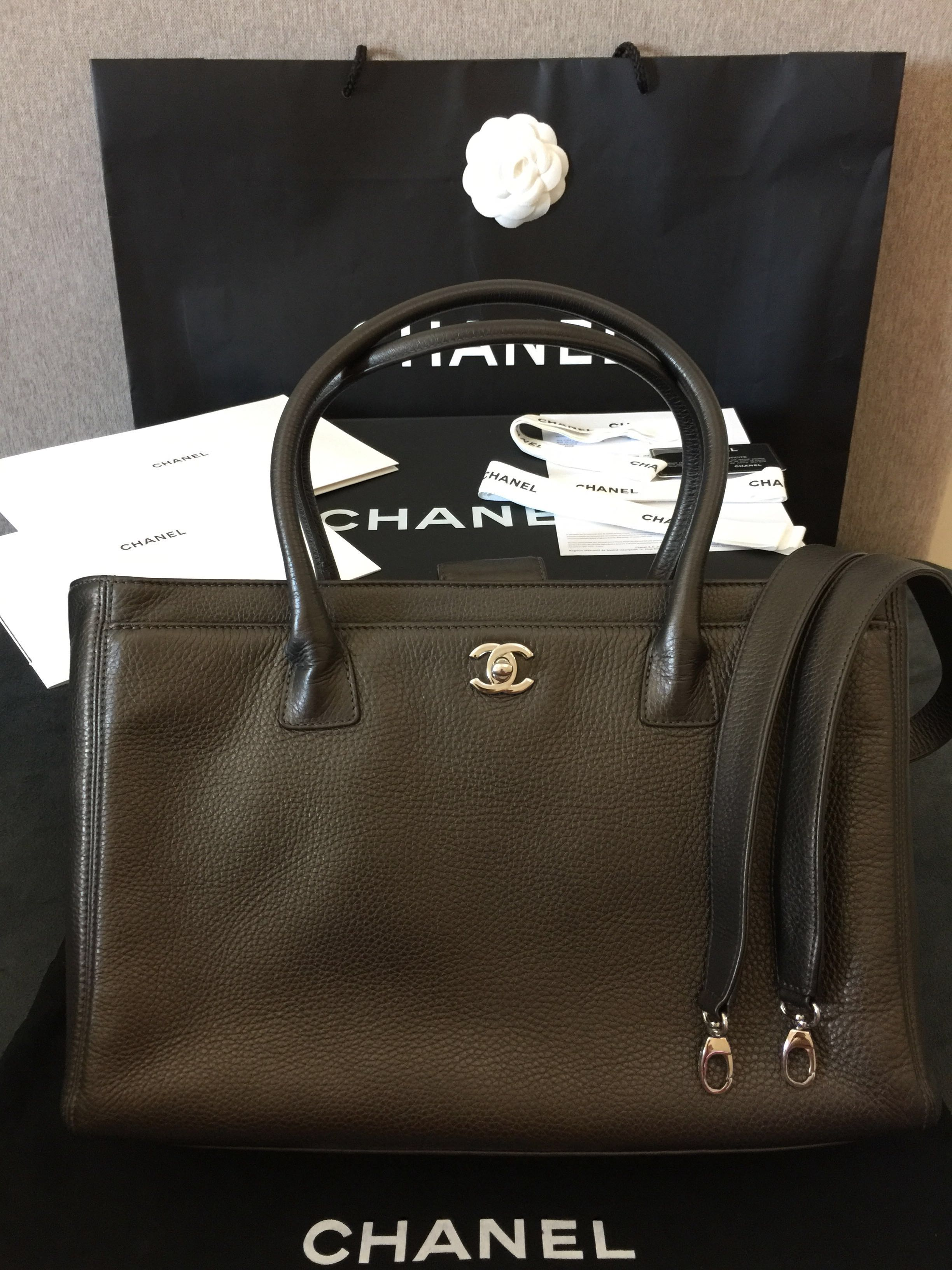 0fa18c364511 FAST DEAL  2300 Authentic FULL SET CHANEL Executive Cerf Tote with ...