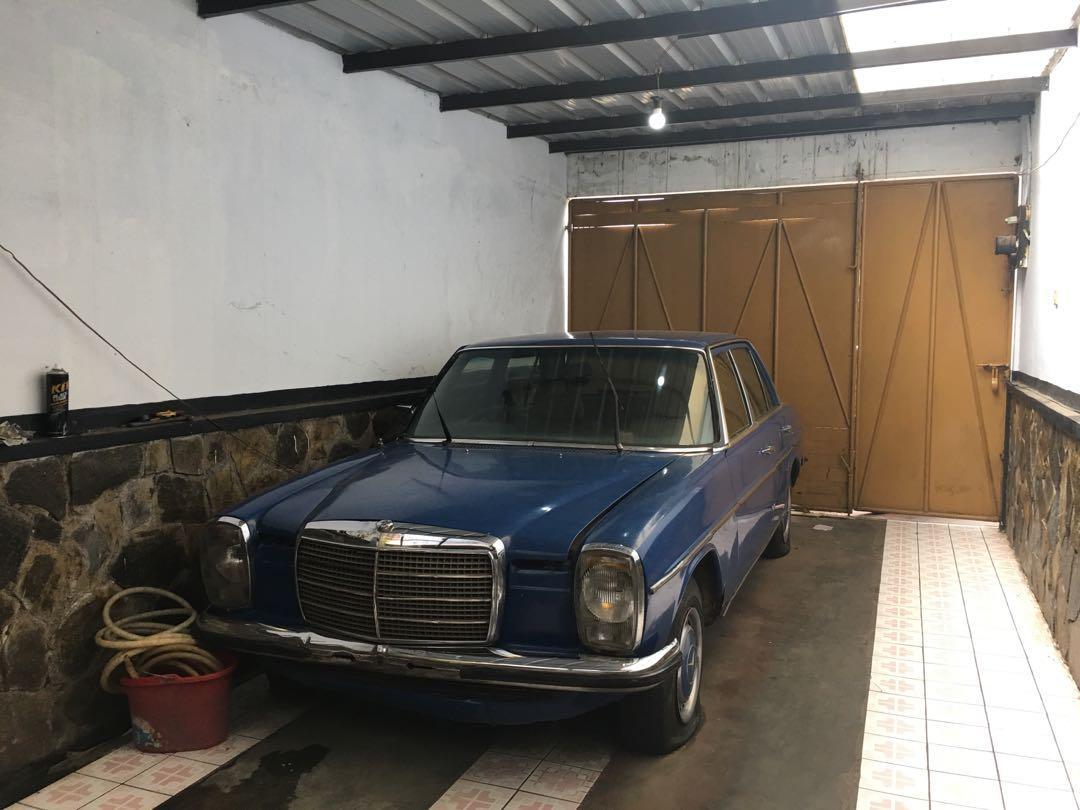 Mercedes Benz W115 200 1974