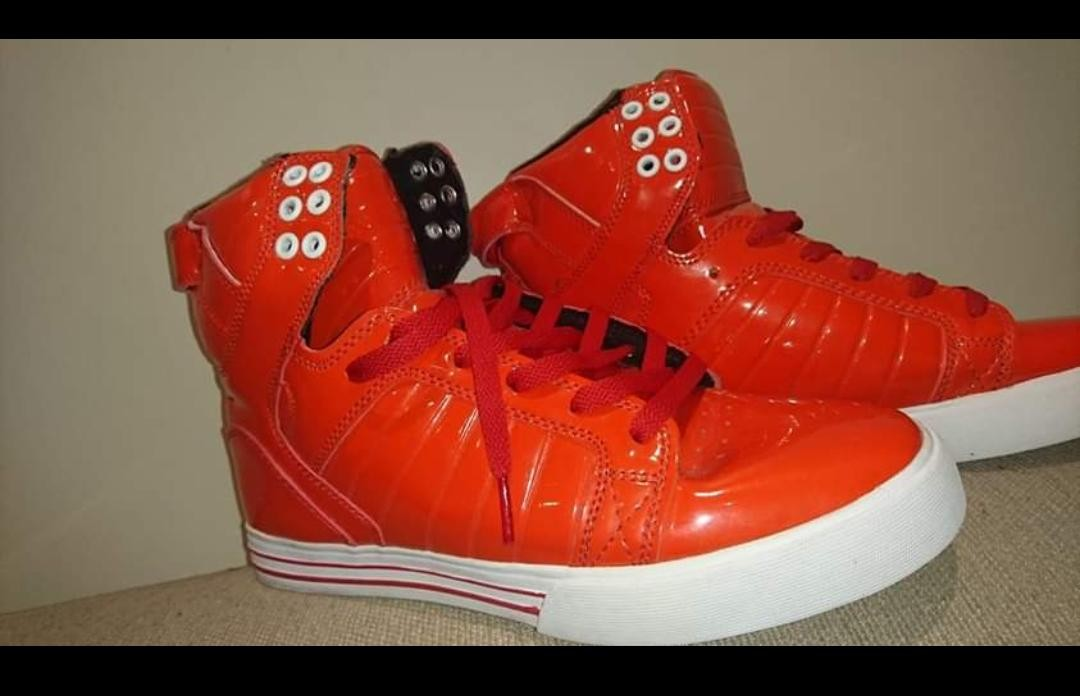 75571a2290 New Supra Red Hip Hop shoes, Men's Fashion, Footwear on Carousell