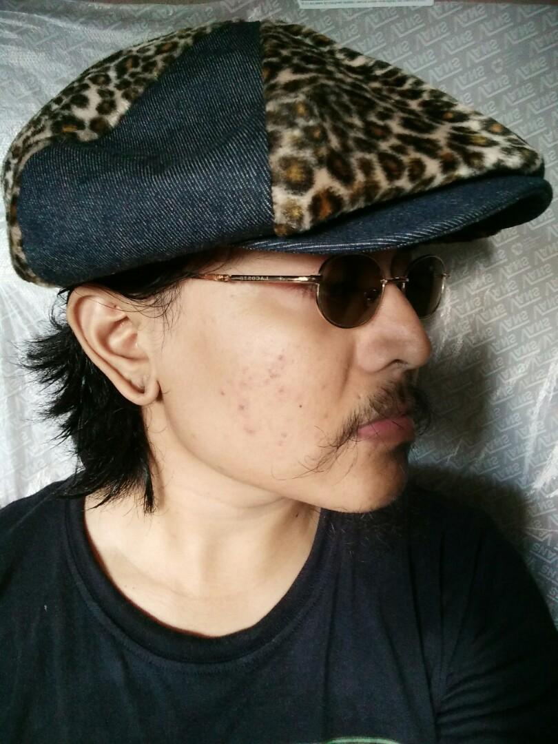 Newsboy Cap/Rockabilly vintage hats Brand: KIYOHARA & CO,LTD Original made in Japan Material bahan Jeans/denim kombinasi Leopard Vintage Authentic Rare/Limited editon Size: L/XL Full tag logo brand Uniex Kondisi:like new
