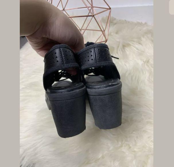Novo sz 36/US5 black vegan leather women boots heels shoes peep toe lace up