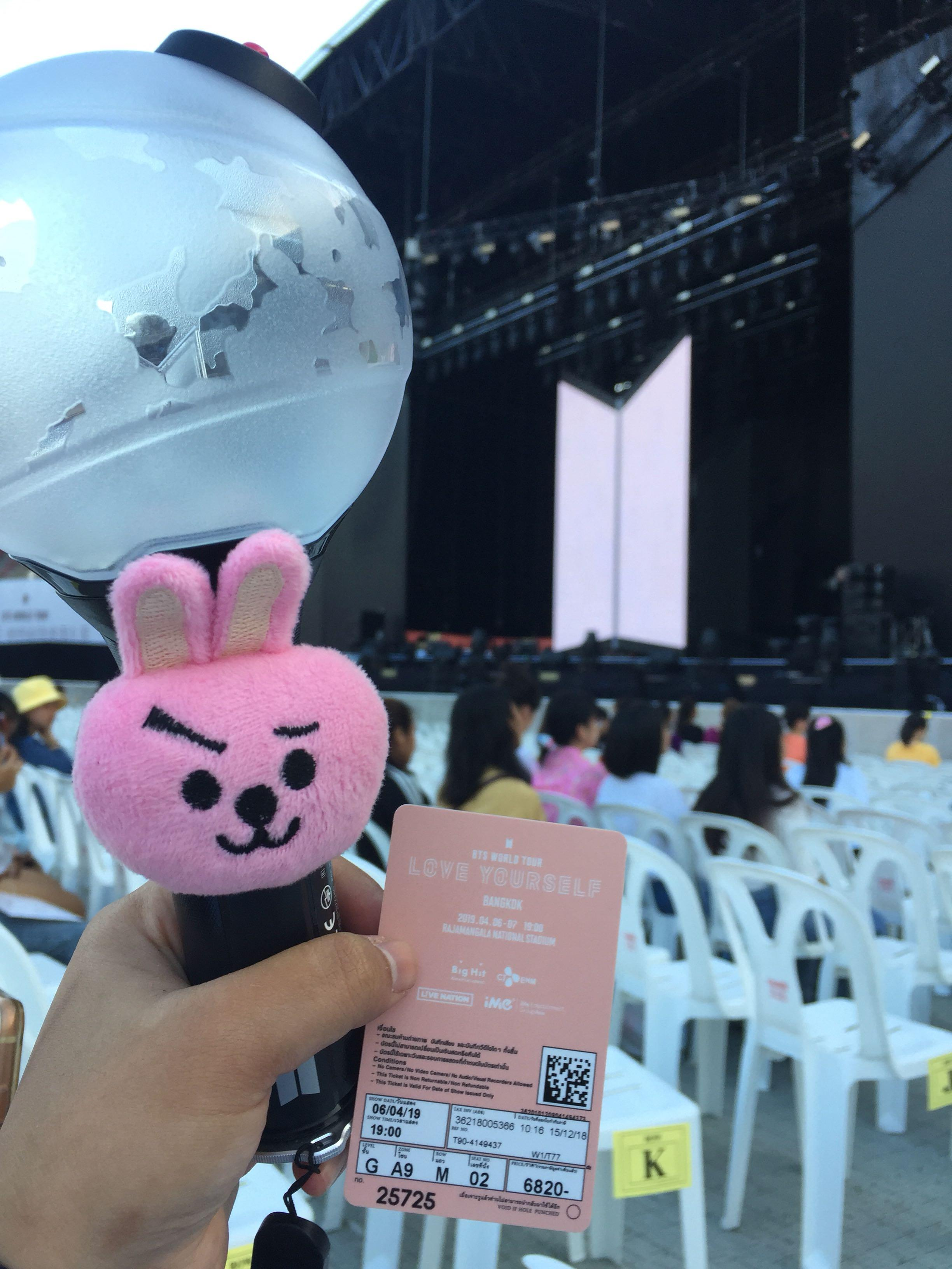 (UPDATE, SAFELY ARRIVE TO OWNER!) Bts ly bkk merch