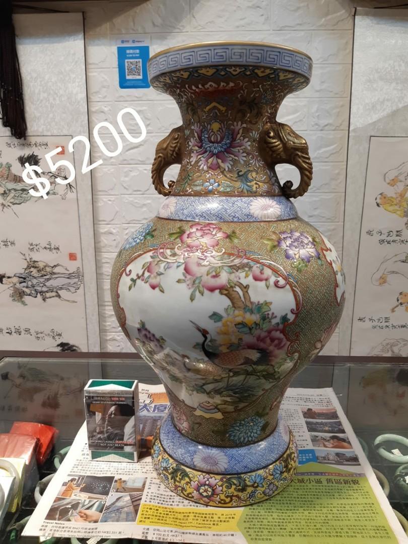 貨倉清倉,大量傢俬、玩具、擺件平價出售,有意可以whatsapp: 6681 6207 聯絡陳先生。