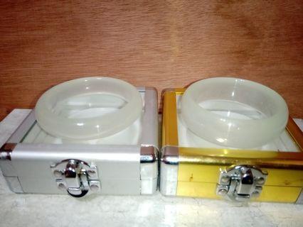 天然水沫子翡翠玉鐲2件一起賣附收藏盒(可單賣)