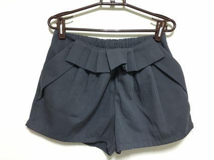淺灰西裝褲