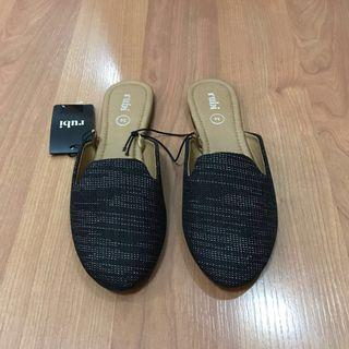 New:Cotton On Rubi shoes black mules