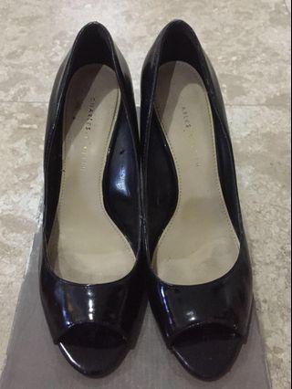 Sepatu Charles & Keith Wedges Black