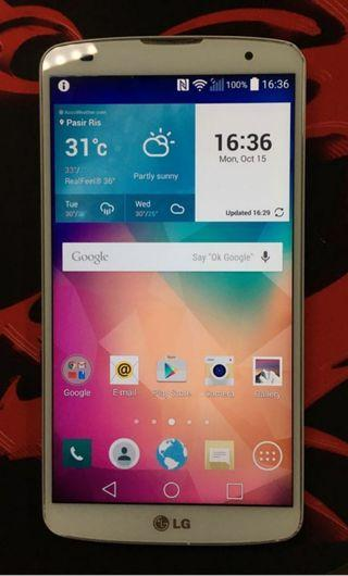 LG Gpro 2 open line Still like new with charger earphones