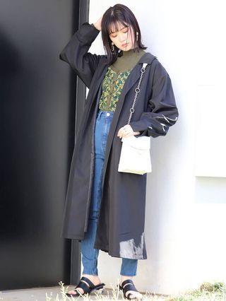 (🇯🇵日本代購) 日幣¥13,932円【MURUA】拼接翻領休閒薄款垂墜長版黑風衣外套 全新
