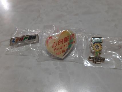 MTR 不同款襟章