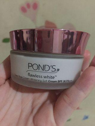 Ponds flawless white dewy rose