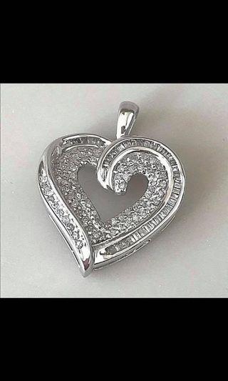 10 k gold Diamond pendant