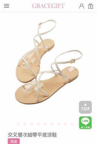 交叉層次細帶平底涼鞋