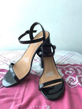 (REDUCED!) Rubi Heels