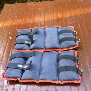 Kettler wrist or ankle weights. Each side is 4.5kg. In good condition.