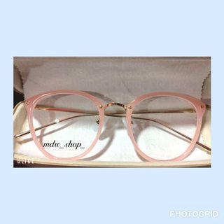 Kacamata LINDAFARROW
