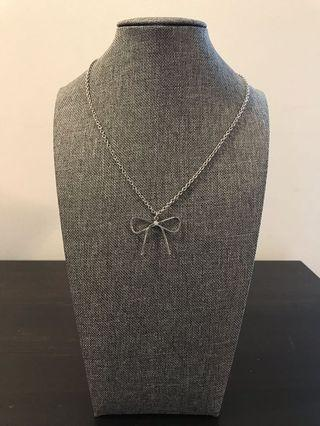 Pretty Bow Necklace