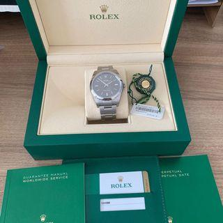 Rolex Oyster Perpetual 39mm - Rhodium Dial (114300)