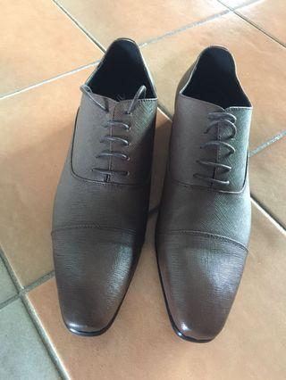 🚚 Leather Shoes