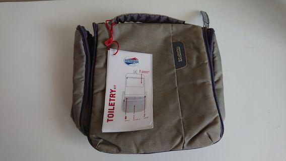 American Tourister Toiletries bag
