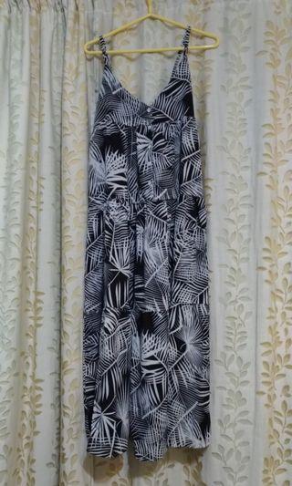 🚚 鹿西太太黑白印花吊帶裙