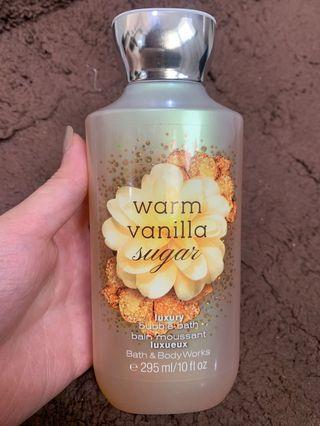 Warm Vanilla Sugar Bath and Body Works Bubble Bath