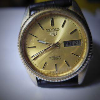 Seiko 5 Automatic 17 Jewels Round Gold Plated Dial Watch