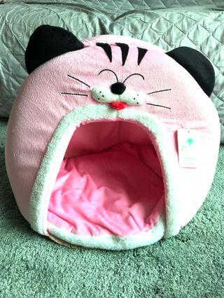 Kojima Pink Cat Head Bed Hideout
