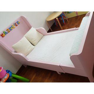 Kid bed and mattresses