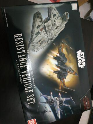 Star wars resistance vehicle set 1/144 and 1/350