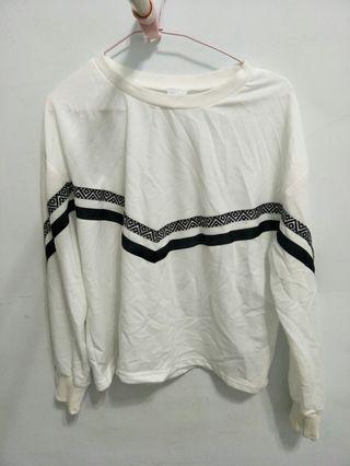 🚚 全新白色個性寬版上衣