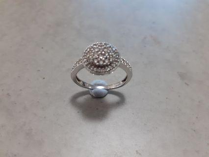 10k White Gold Diamond Ring BEAUTIFUL - Make an Offer
