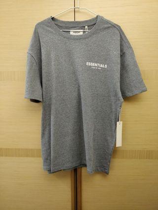 🚚 Fear of God Essentials 男生灰色短袖T恤 S 全新正品公司貨
